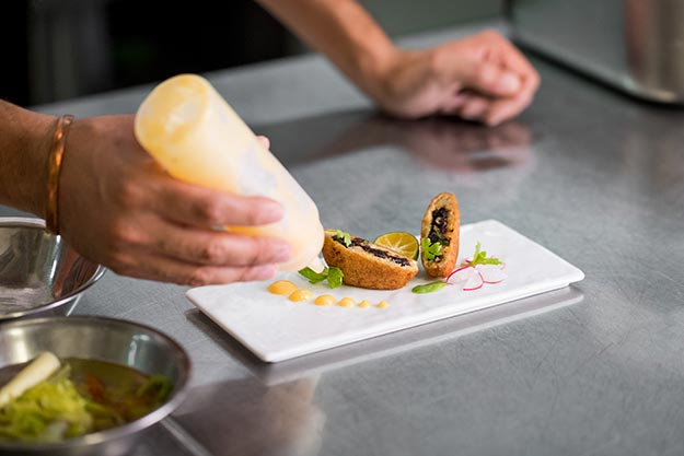 An Outlook into Finding the Best Restaurant in the UK