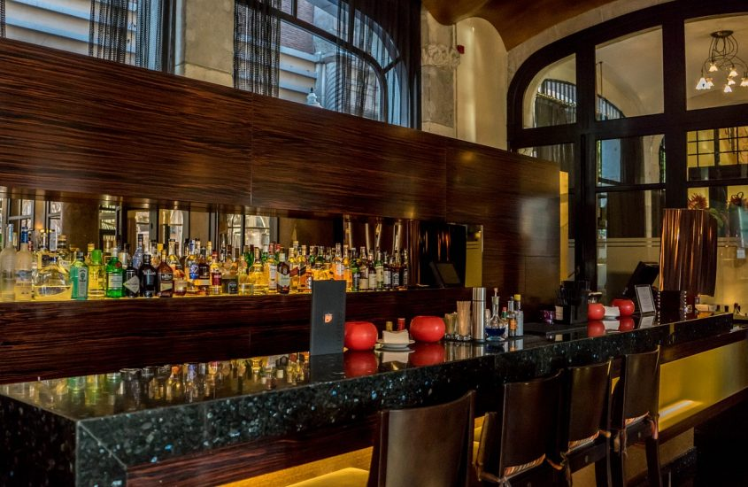 How to Improve Bars and Restaurant Businesses